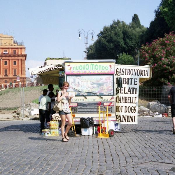http://samuelhervas.com/files/gimgs/27_turistas11.jpg