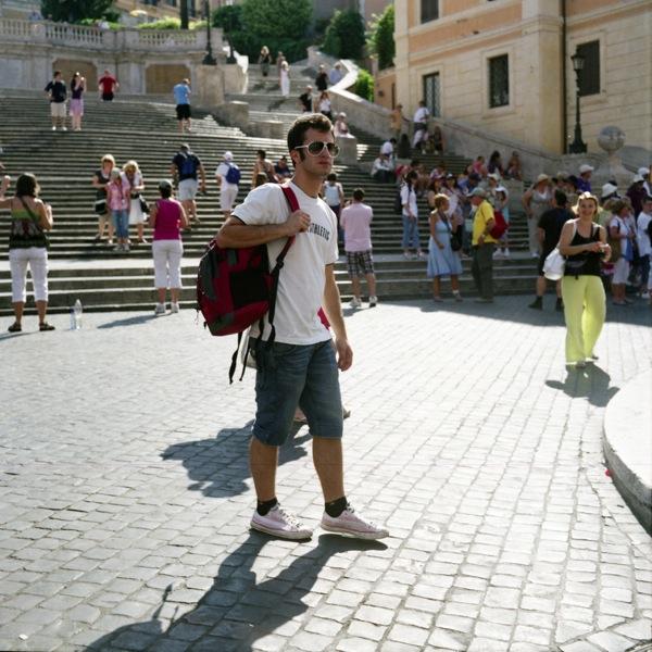 http://samuelhervas.com/files/gimgs/27_turistas4.jpg